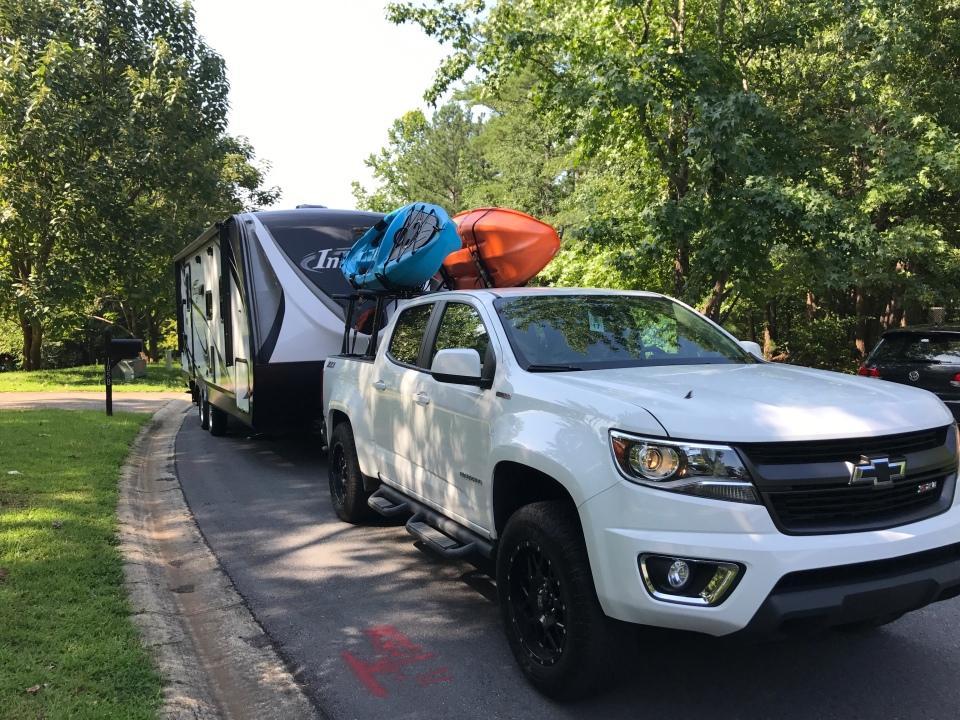 Kayak-rack-travel-trailer