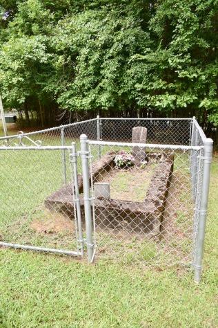 mckinney-campground-gravesite