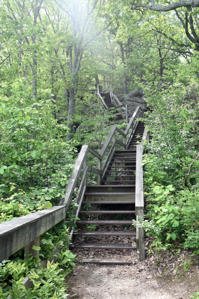 fort-mountain-stairs-west-overlook
