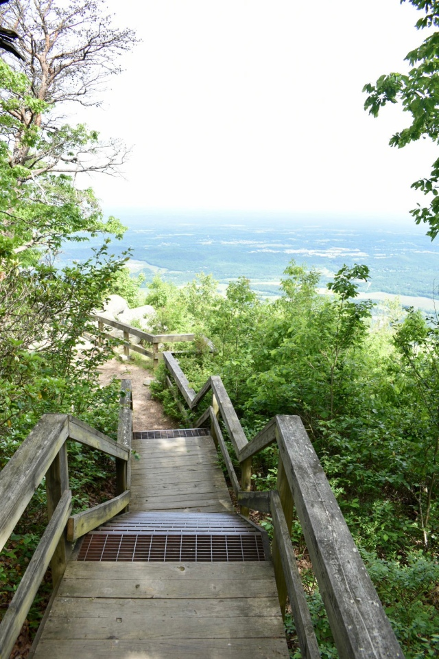 West-overlook-stairs-fort-mountain