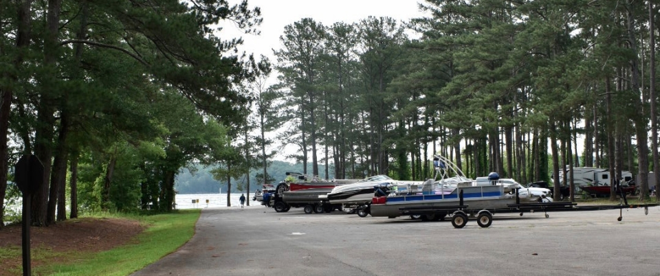 boat-parking-sweetwater-campground